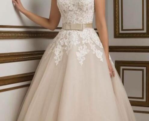 495453ce76 Bonjour vintage menyasszonyi ruha szalon